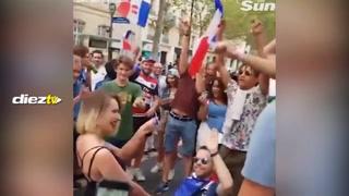 Aficionado francés le pide matrimonio a su novia luego del triunfo de Francia y ella le dice que no