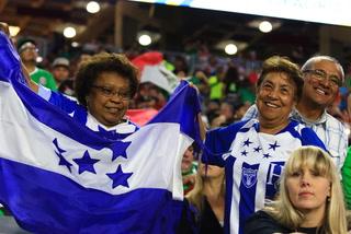Honduras salta al terreno de juego para calentar previo al encuentro frente a México
