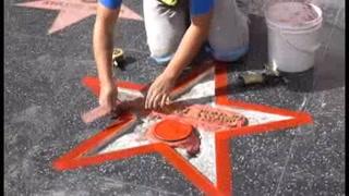 Tras destrozos, restauran la estrella de Trump en Hollywood