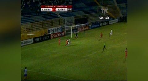 Gol del Fito Zelaya al Olimpia (Concacaf 2017)