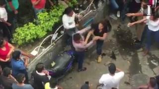 Agreden a presuntas ladronas en San Juan de Dios