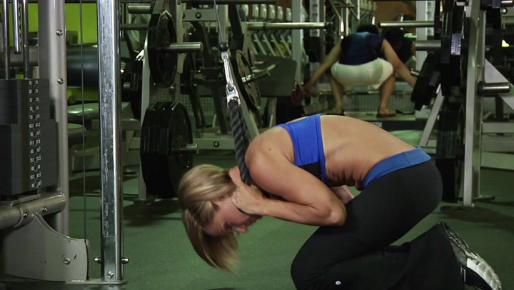 Cable Crunch - Abs / Core Exercise - Bodybuilding.com