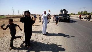 Fuerzas iraquíes avanzan en Kirkuk, miles huyen de la ciudad