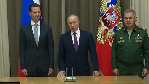 Putin se reúne con Al Asad antes de cumbre tripartita por Siria