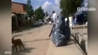 Técnico de la selección de Bolivía golpea a uno de sus ayudante
