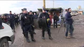 Avalan el desalojo del campamento de migrantes de Calais