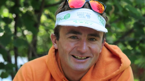 Muere famoso alpinista suizo Ueli Steck en el Everest