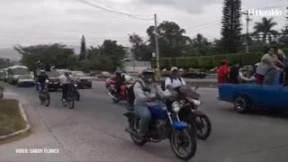 Dirigencia del transporte realiza caravana en la capital de Honduras