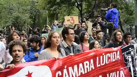Mexicanos piden esclarecer asesinato de tres estudiantes