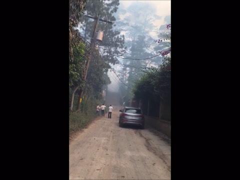 Fuego se apodera de las montañas de Tegucigalpa en Honduras