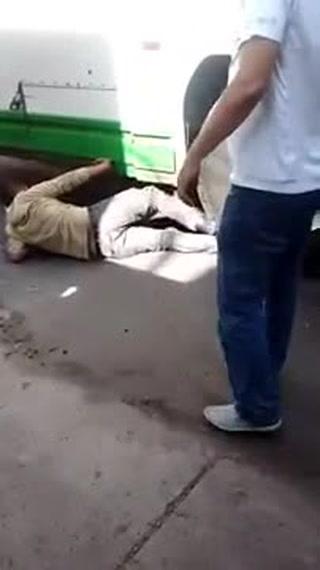 Presunto delincuente es atropellado por un autobús tras cometer un robo en una tienda