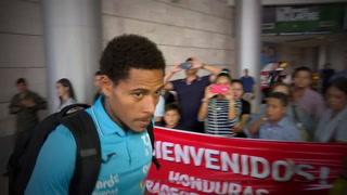 Selección de Honduras llega a suelo catracho tras ser eliminada por Australia