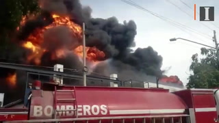 Combaten incendio en fábrica de pinturas en Guadalajara