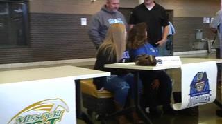 10 Kickapoo Athletes sign on Wednesday