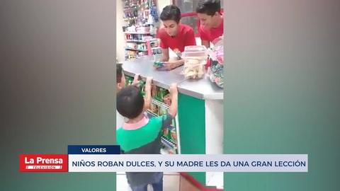 Niños roban dulces, y su madre les da una gran lección.