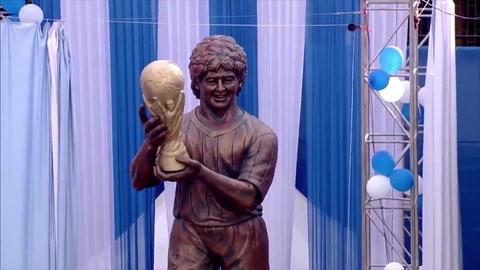 Estatua de Maradona en India, foco de burlas en internet