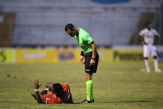 Jugador del Real Sociedad explota contra los árbitros: