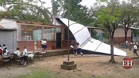 Honduras: Vendaval generó estragos en escuela de El Triunfo