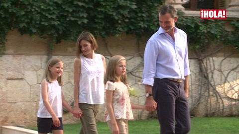 En vídeo: La naturalidad de la princesa Leonor y la infanta Sofía con la prensa