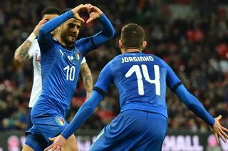 Italia se salva de una derrota ante Inglaterra por el VAR como protagonista