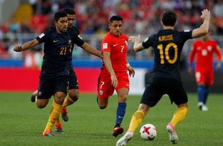 Chile consigue el empate ante Australia en la Copa Confederaciones