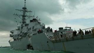Destructor de EU choca en Singapur; hay 10 desaparecidos