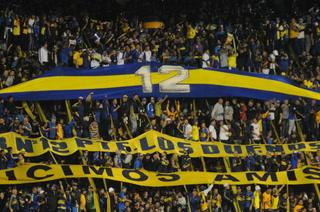 Aficionados de Boca Juniors se roban el show en el juego ante Barcelona