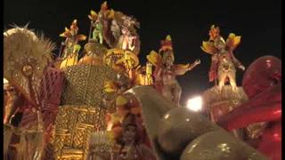 El sambódromo de Río se entrega a la fantasía