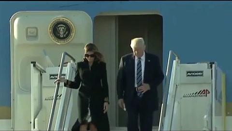 Desplante: Melania vuelve a retirarle la mano a Donald Trump
