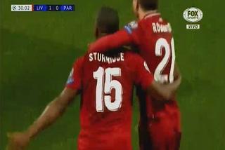 Daniel Sturridge anota el 1 - 0 del Liverpool ante el PSG