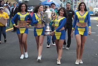 ¡QUÉ HERMOSURA! Estas son las chicas más lindas que engalanaron la gran final en el estadio Nacional