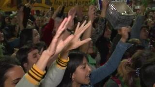 Cientos piden a Parlamento argentino que legalice el aborto