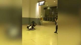 Morata se emociona en la celebración y hace caer de quijada al miembro de seguridad del Real Madrid