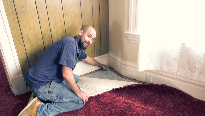 The Do's and Don'ts of Tearing Out Carpet