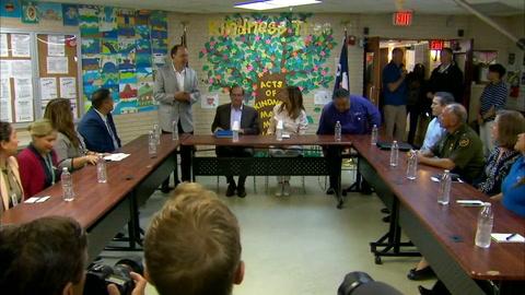 Melania Trump visita albergue de niños inmigrantes en frontera