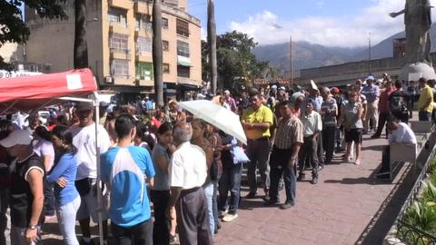 Puntos rojos, polémica medida de Maduro para premiar votante