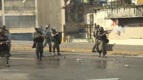 Un muerto en violenta jornada de protesta en Venezuela