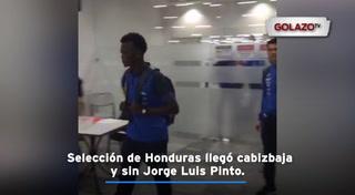 Selección de Honduras llegó cabizbaja y sin Jorge Luis Pinto