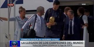 Los campeones del mundo llegaron a su país para seguir festejando su segundo título