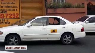 Dos heridos deja balacera contra un taxi en el barrio Guadalupe de la capital