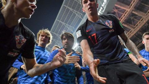 Alegría croata tumba a fotógrafo de la AFP