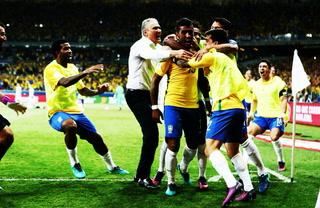 Brasil le propina paliza a Uruguay en el Centenario (resumen completo)