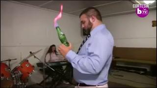 Serpiente cascabel muerde a un pastor evangélico en pleno sermón