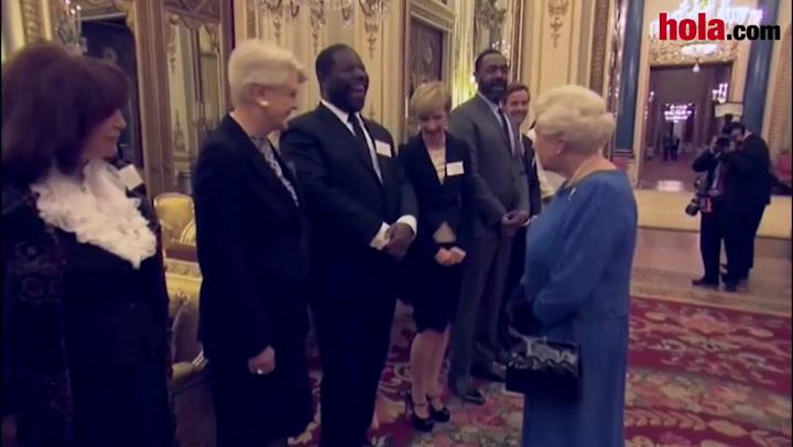 Helen Mirren actúa para la Reina y la Duquesa de Cambridge en una estelar recepción en palacio a los actores británicos