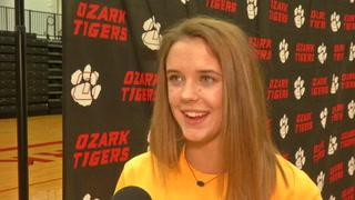 VIDEO: Olivia Lyon Signing