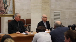 Renuncian todos los obispos chilenos tras escándalos por abusos