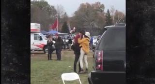 Malia Obama es captada besando en la boca a un desconocido