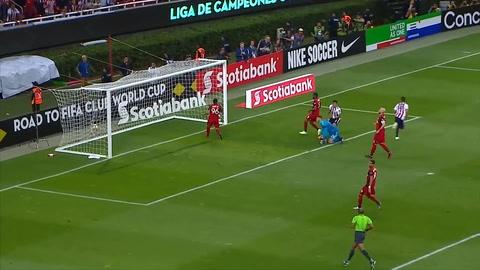 ¡Chivas vence a Toronto en penales y es campeón de la Concachampions!