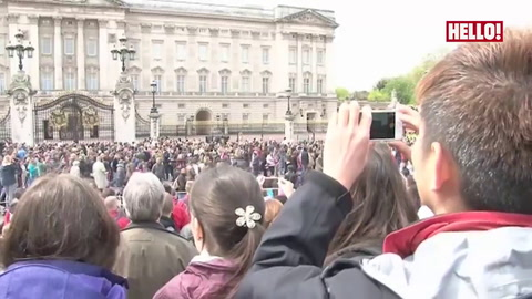 Arrival of the new Princess announced on Buckingham Palace forecourt