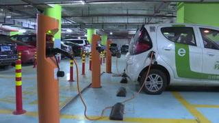 Rentan autos ecológicos por hora en ciudad china